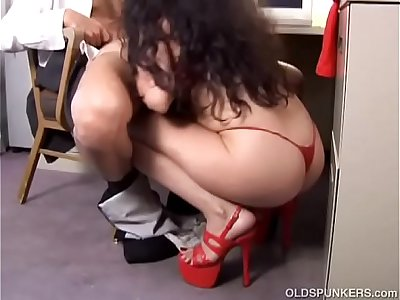 Lovely mature latina old spunker gives a super hot blowjob