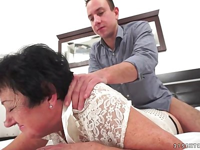 Mature Julienne fucked by a young guy