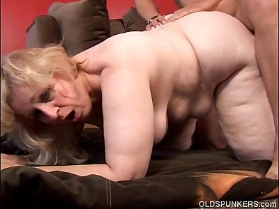 Anne is a big beautiful mature BBW with lovely large tits