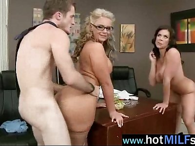 Big Cock Fill Perfect In Wet Pussy Of Mature Lady (kendra phoenix) video-18